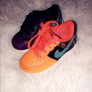 Size 5c multicolored Air forces